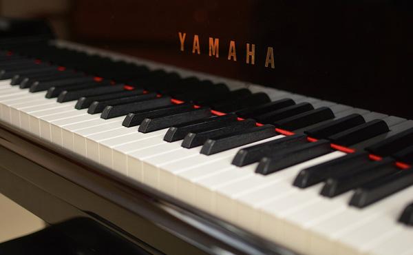 ピアノ対決